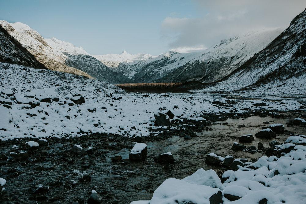 CindyGiovagnoli_hiking_glacier_Anchorage_snow_winter_ByronGlacier_Alaska-016.jpg