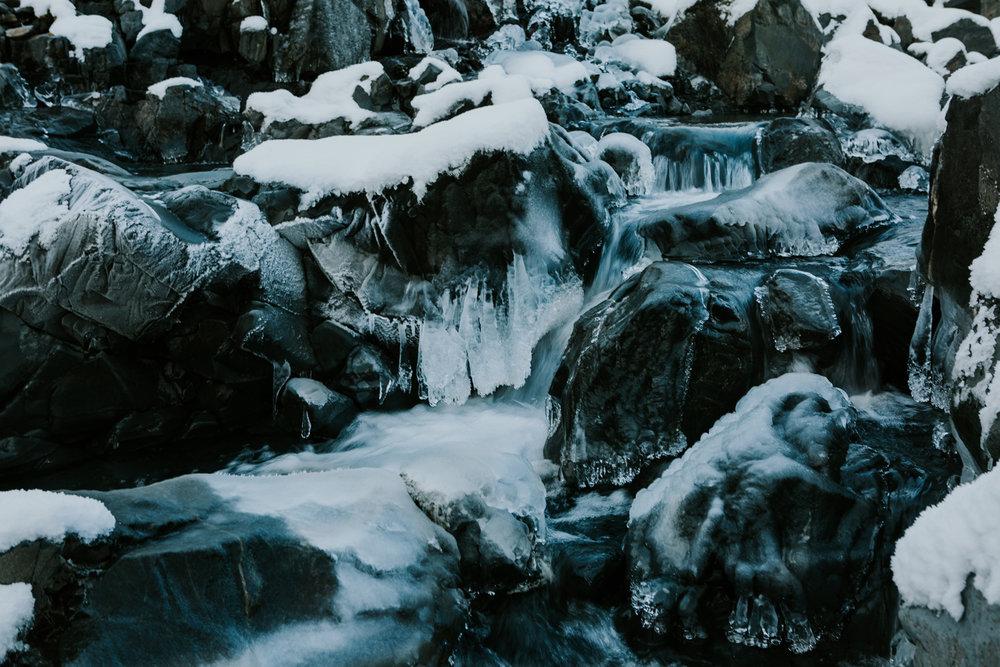 CindyGiovagnoli_hiking_glacier_Anchorage_snow_winter_ByronGlacier_Alaska-017.jpg