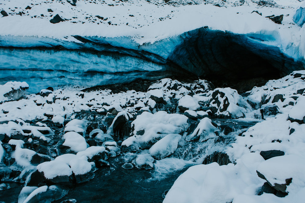 CindyGiovagnoli_hiking_glacier_Anchorage_snow_winter_ByronGlacier_Alaska-046.jpg