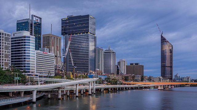 Brisbane skyline  #brisbane #skyline #sunrise #longexposure #cityscape