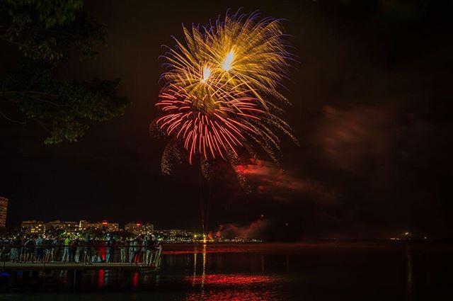 Cairns festival fireworks  #cairns #cairnsfestival #fireworks #queensland #australia #niclasjonssonphotography