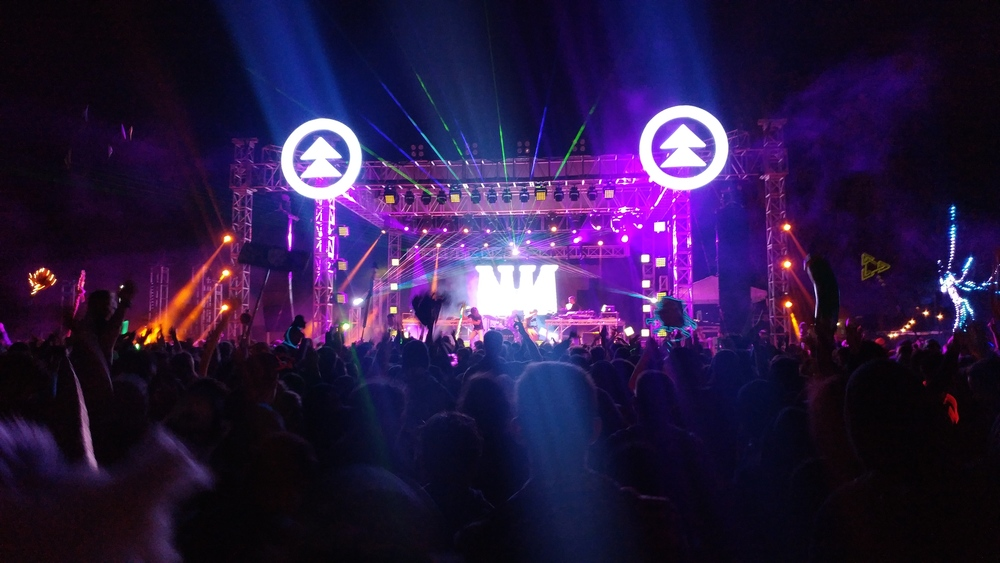 The main stage reminded me a lot of the main stage at Snow Globe.