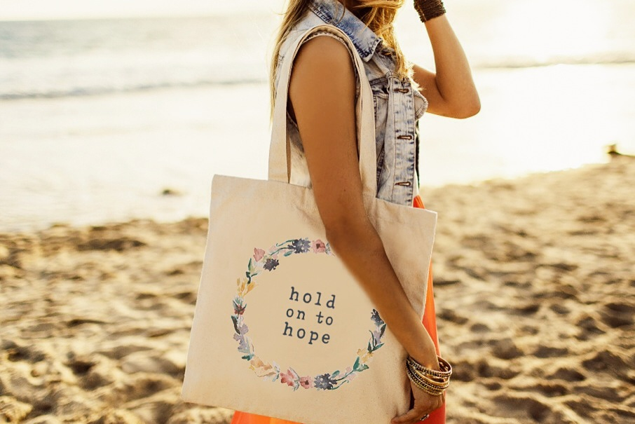 The+Tote+Project-Hold+On+To+Hope.jpg