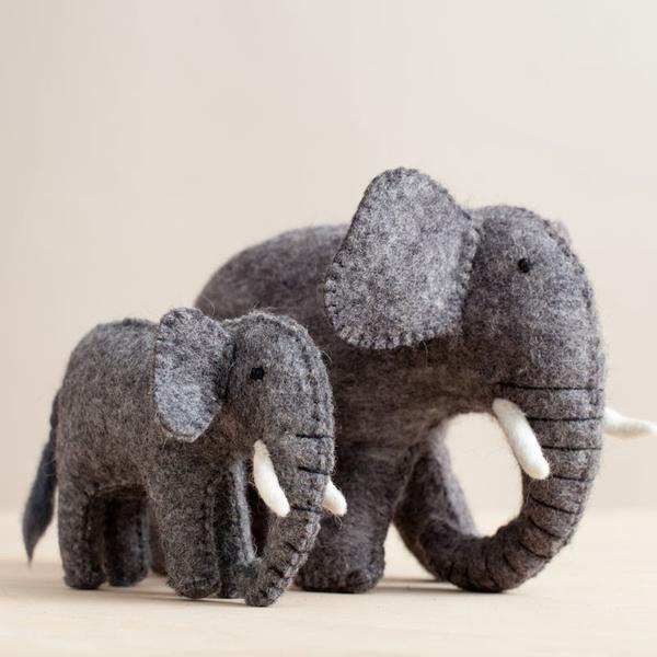 01_web_elephant_mama_side_7f825252-746d-4e69-8f17-1d5f4758f1ea_grande.jpg