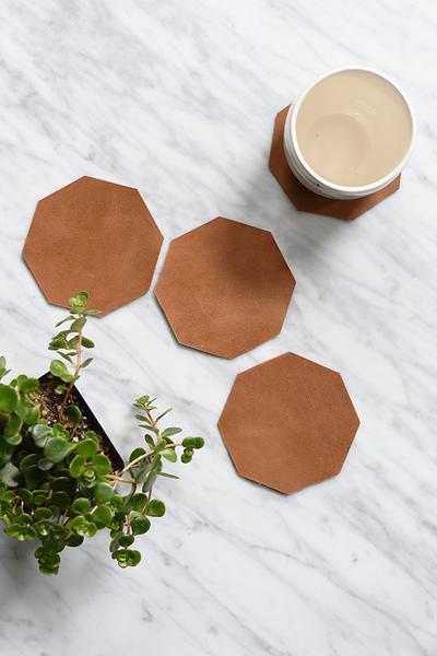 Web-Coasters-with-bowl_grande (1).jpg