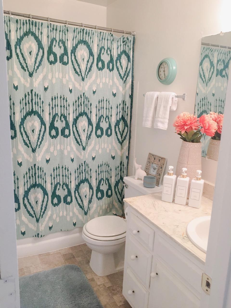 KrystinKrebsInteriors-Vacation-Rental-Bathroom.JPG