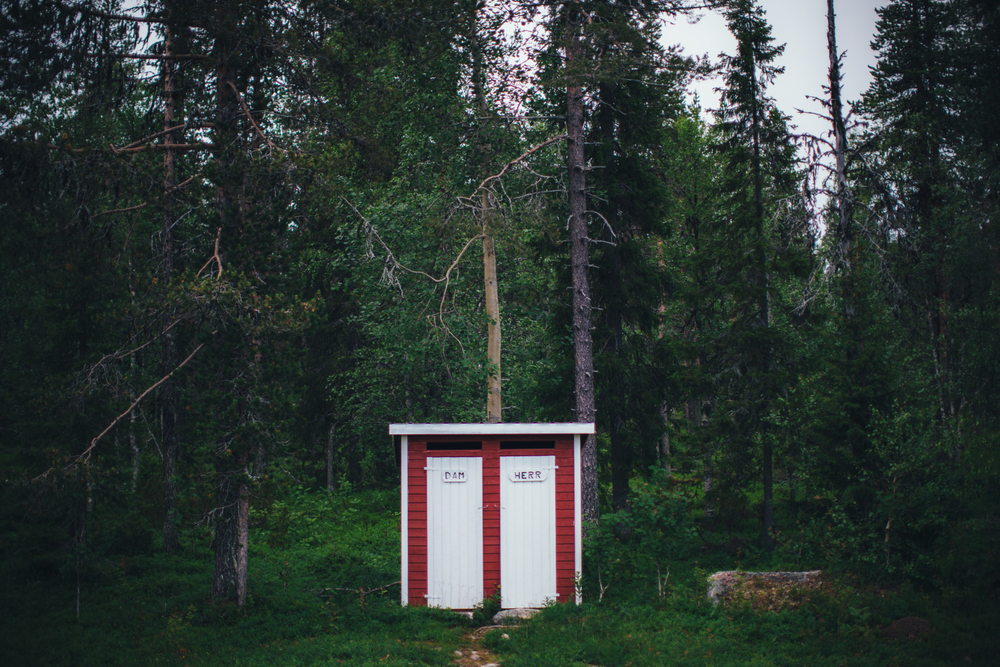 SWEDEN-outhouses.jpg