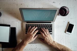 Websites option put of notional value