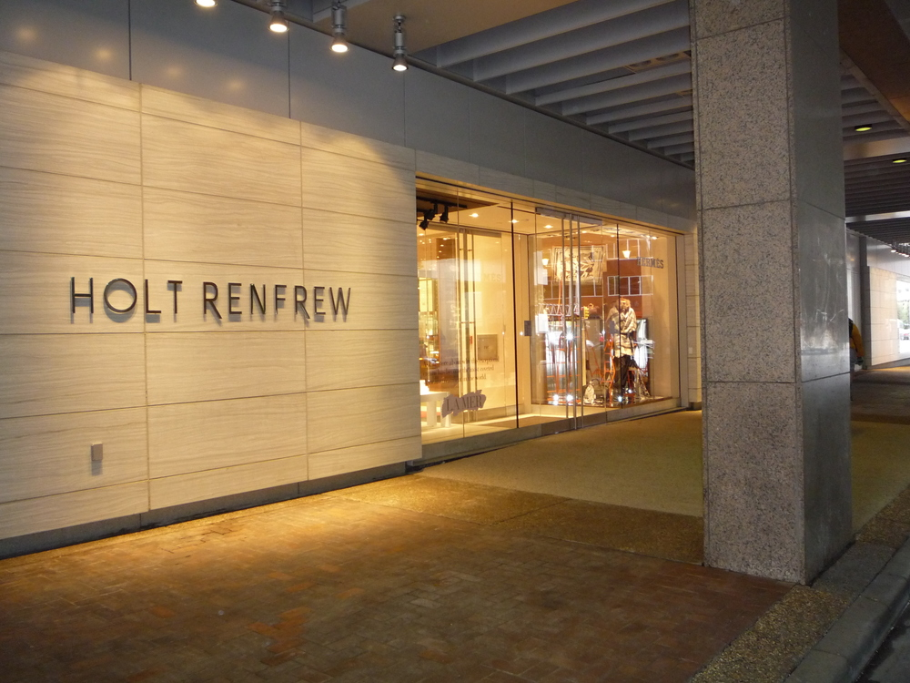 09Oct7 Holt Renfrew Grand Opening - 4th St (1).JPG