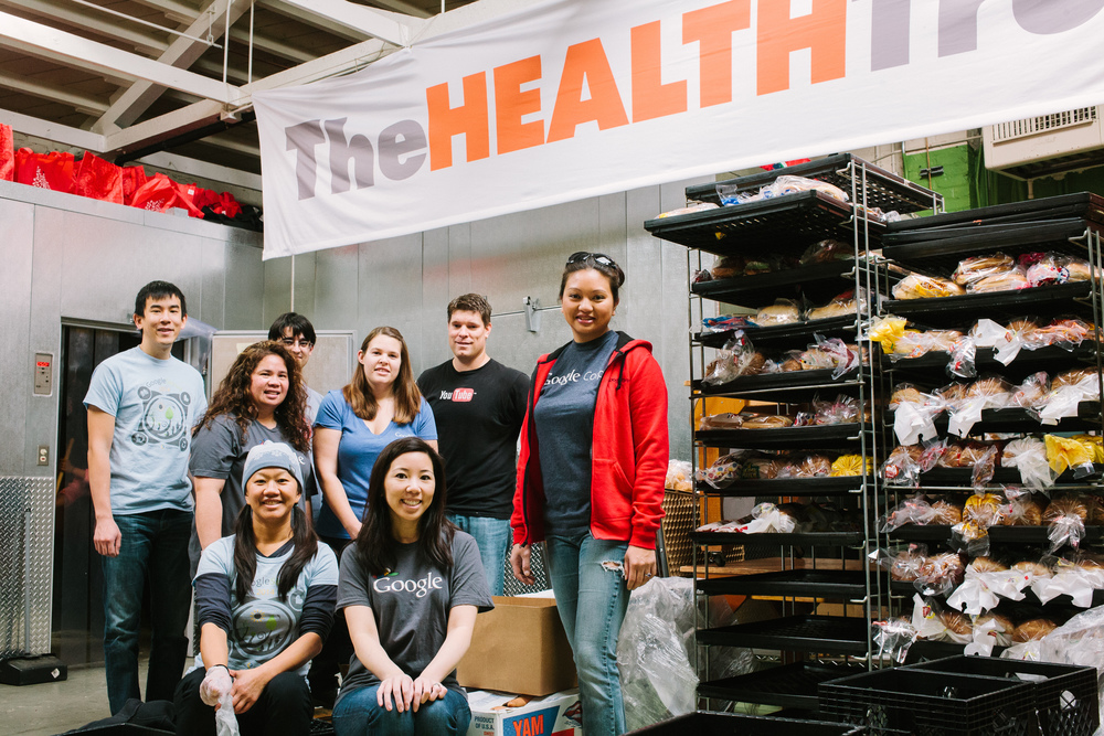 In December 2014, a team of Googlers volunteered at the Jerry Larson Food Basket in San Jose, as part of their work with The Health Trust.