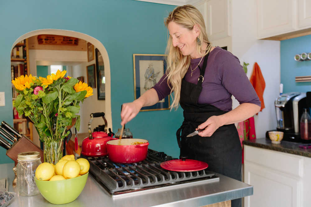 Hannah has worked as a chef in the past, and has a well-stocked, well-loved kitchen with a brand-new range.