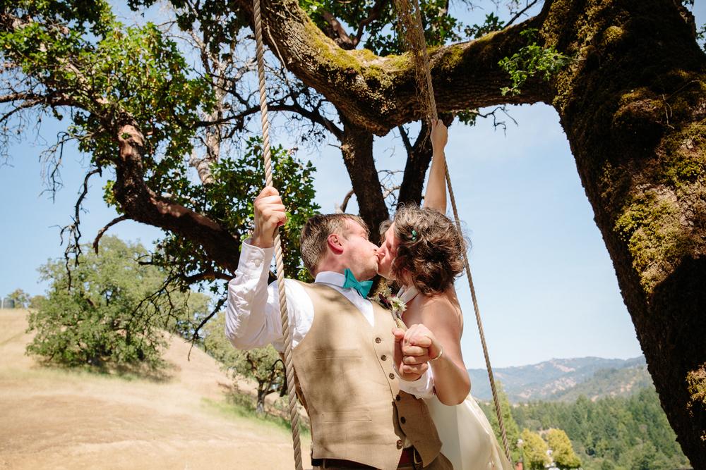 crystalchristiaan_weddingsneakpeek_2014_jenniferleahyphotography-9-of-43_14346786333_o.jpg