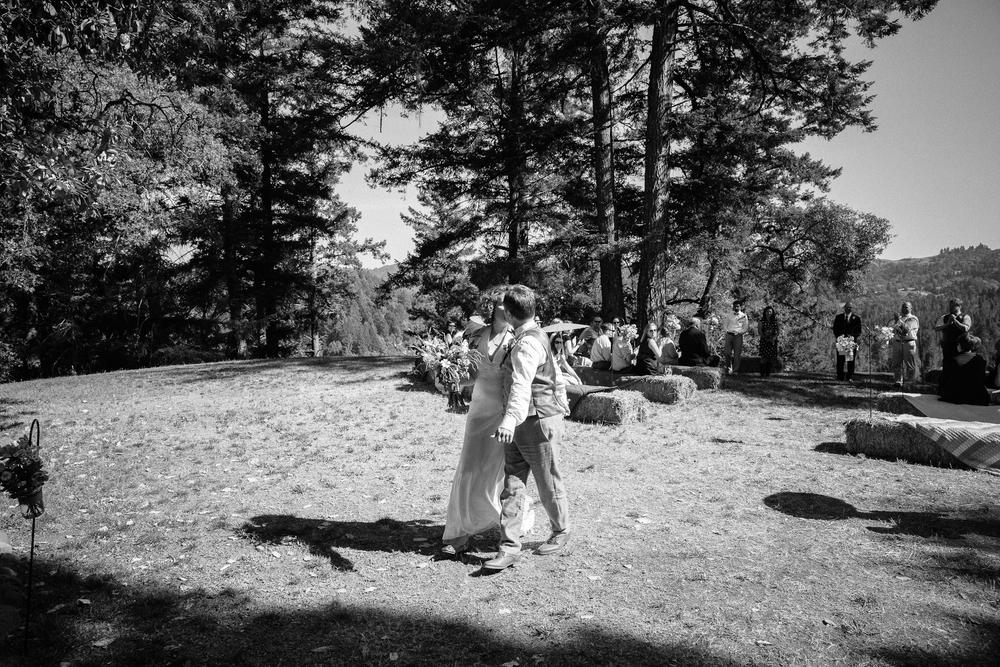 crystalchristiaan_weddingsneakpeek_2014_jenniferleahyphotography-21-of-43_14346771083_o.jpg