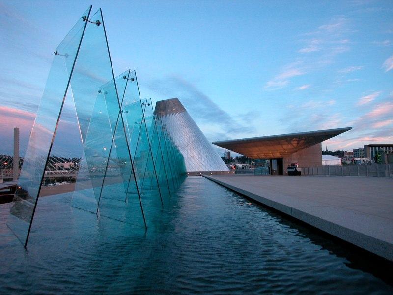 WYN_Museum of Glass_0.jpg