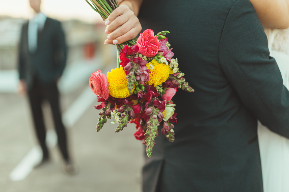 Why you should work with one florist on your wedding flowers