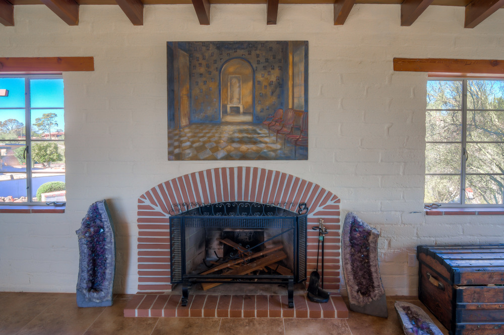 14 Living Room Fireplace.jpg
