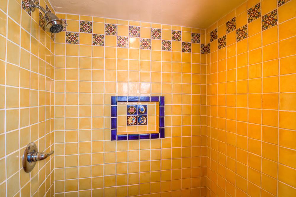 24 Master Bath photo c.jpg