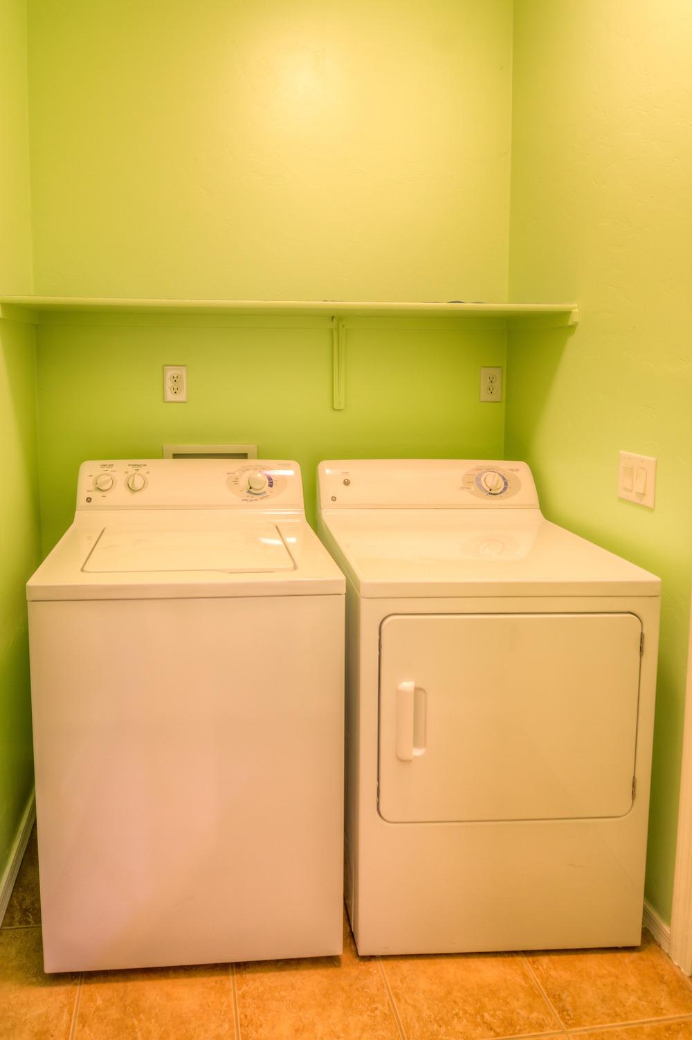 16 Laundry Room.jpg