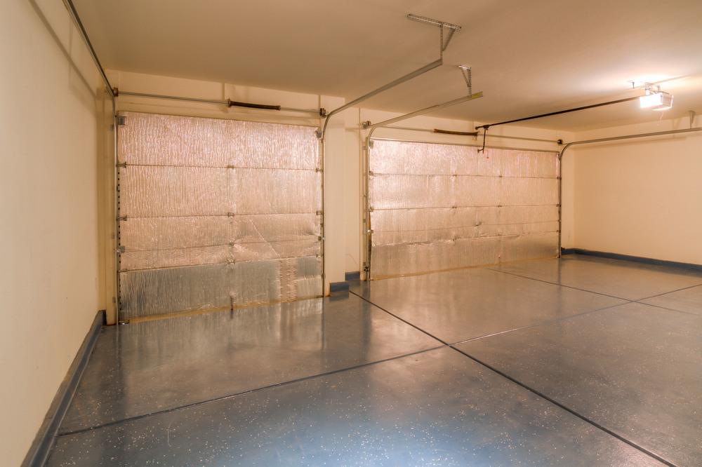 17 Garage.jpg