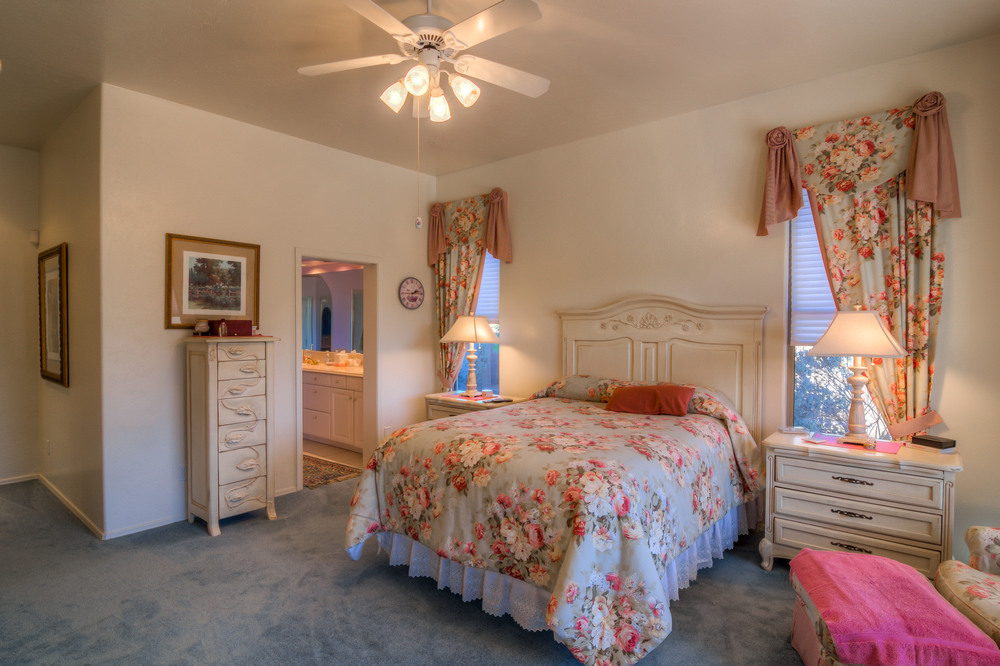 9 Master Bedroom photo b.jpg