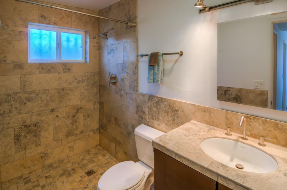 28 Master Bath photo a.jpg