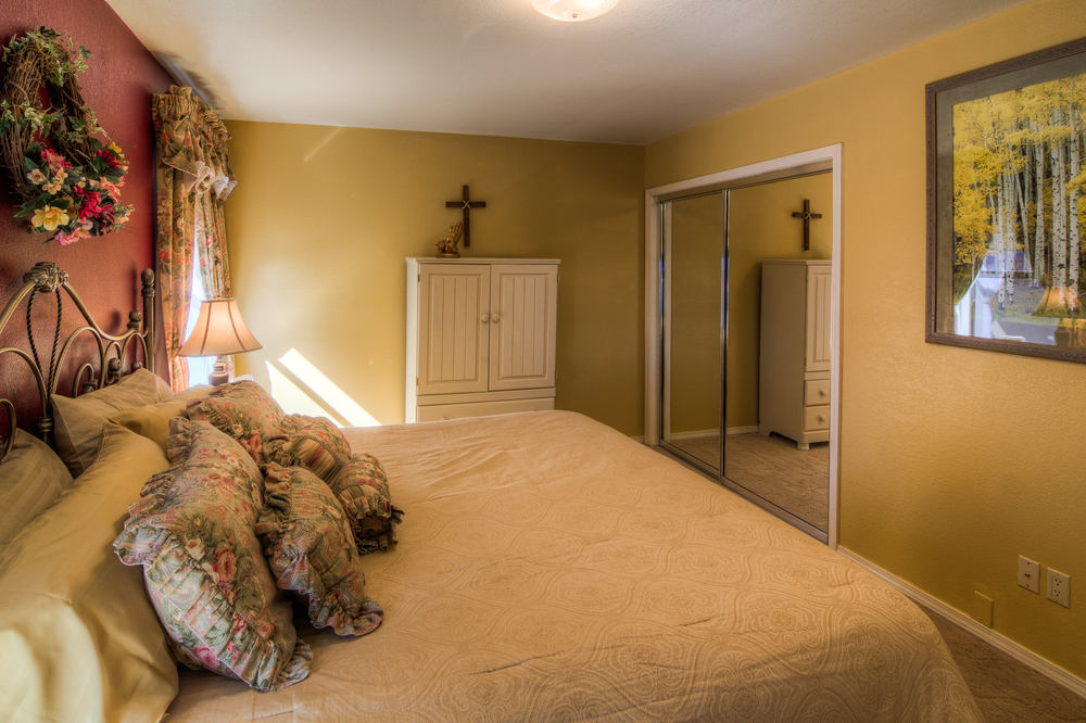 13 cottage bedroom 1 b-2.jpg
