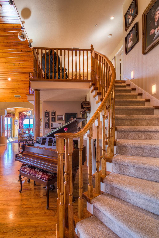 26 staircase 1 b-2.jpg