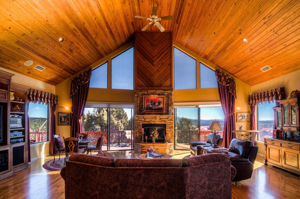 33 living room c-3.jpg