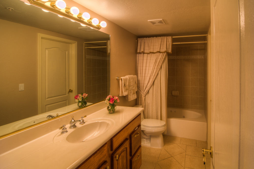 56 bathroom 1.jpg