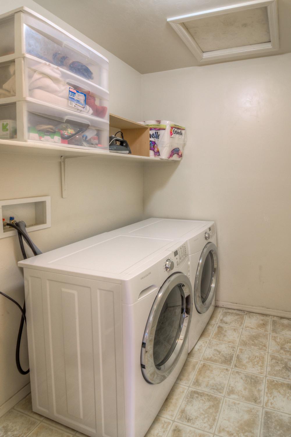 29 Laundry Room photo b.jpg