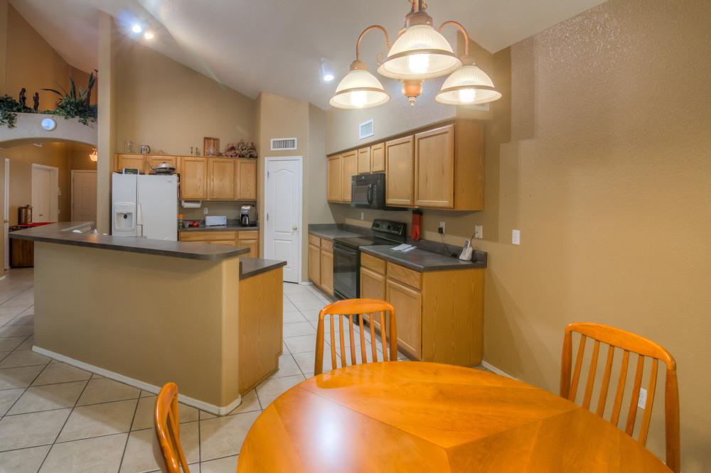 18 Kitchen photo c.jpg