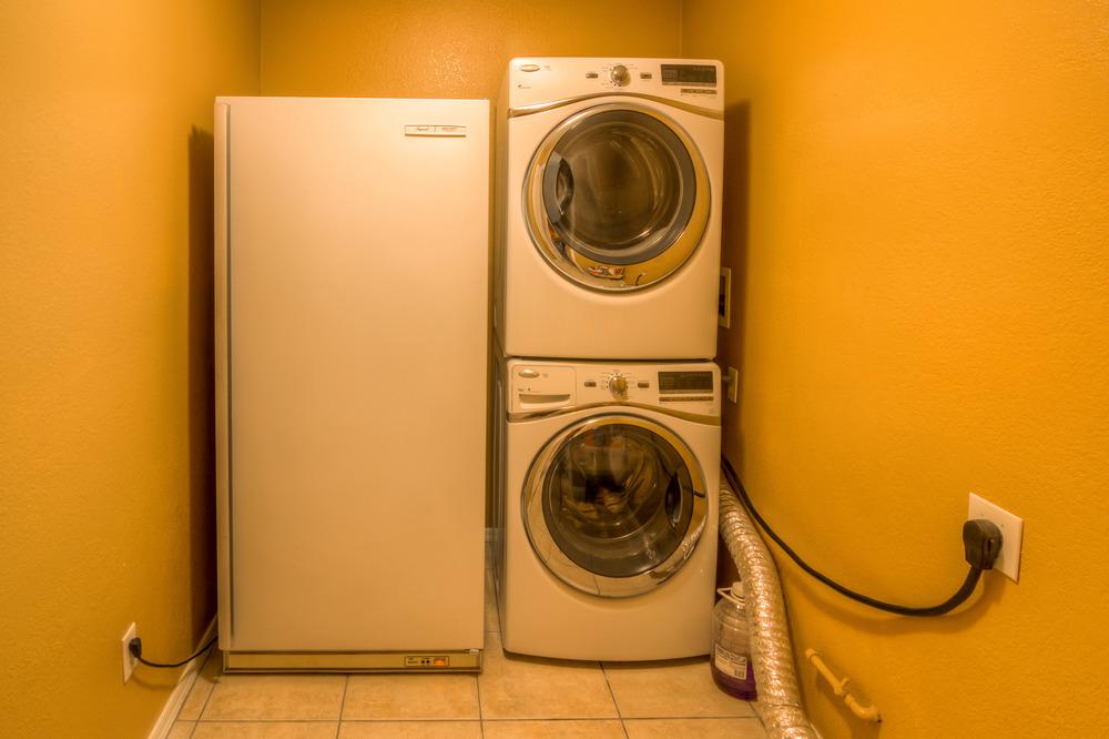 25 Laundry Room.jpg