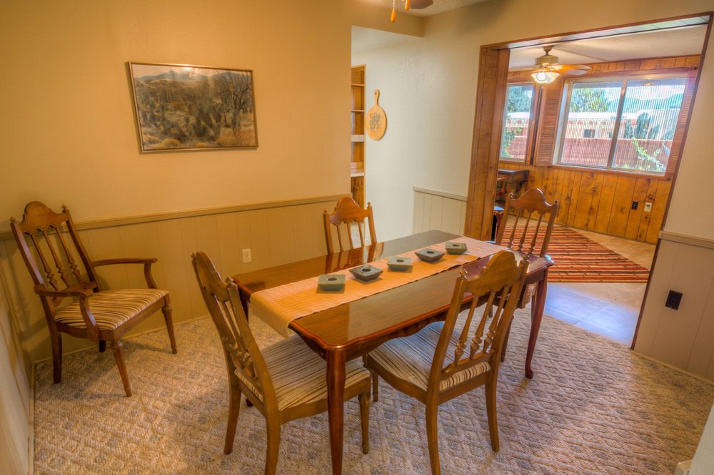 17 Dining Room photo c.jpg