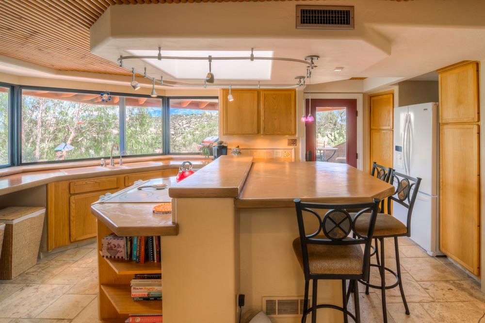10 Kitchen Photo a.jpg