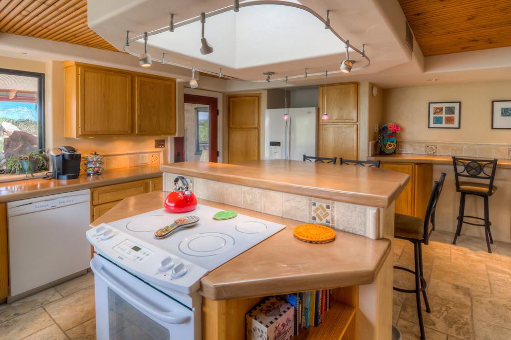 12 Kitchen Photo c.jpg