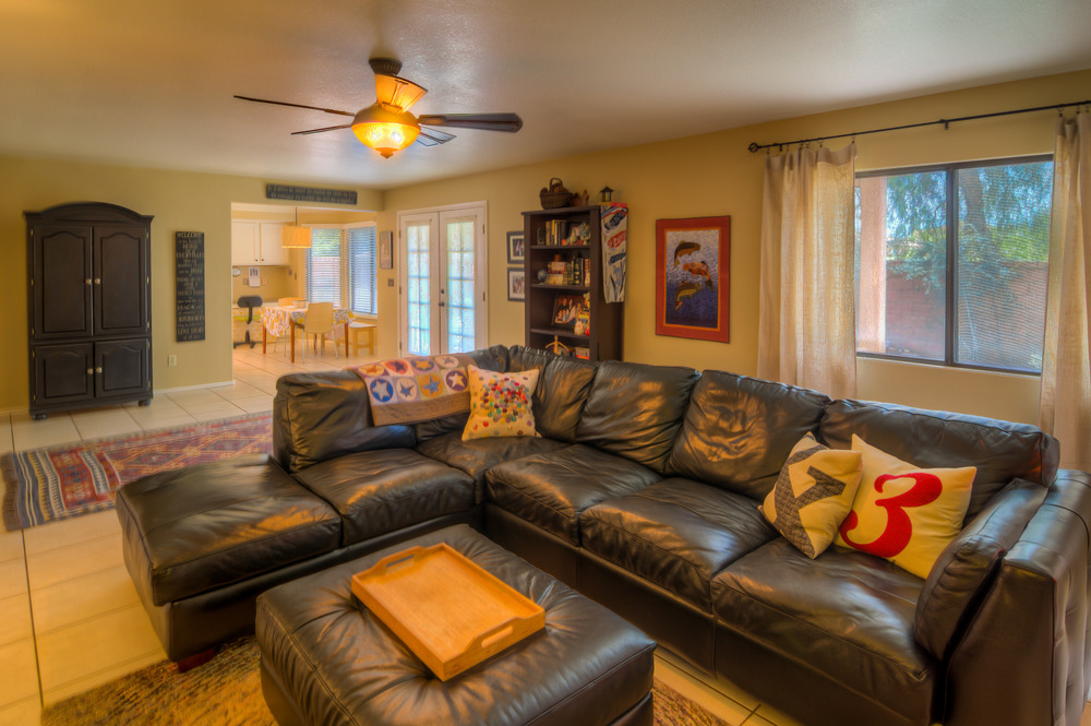 16 Family Room Photo a.jpg