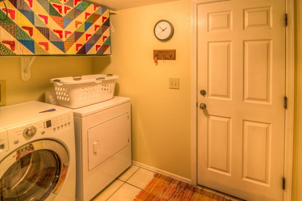 20 Laundry Room.jpg