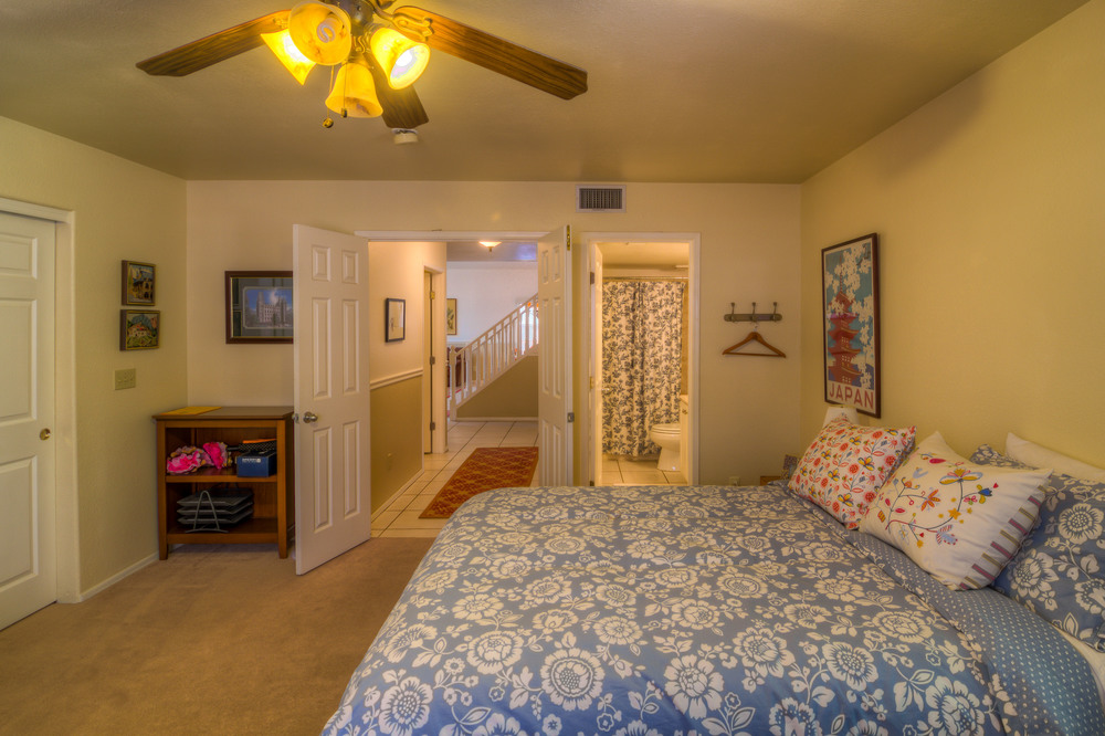 23 Downstairs Guest Bedroom Photo c.jpg
