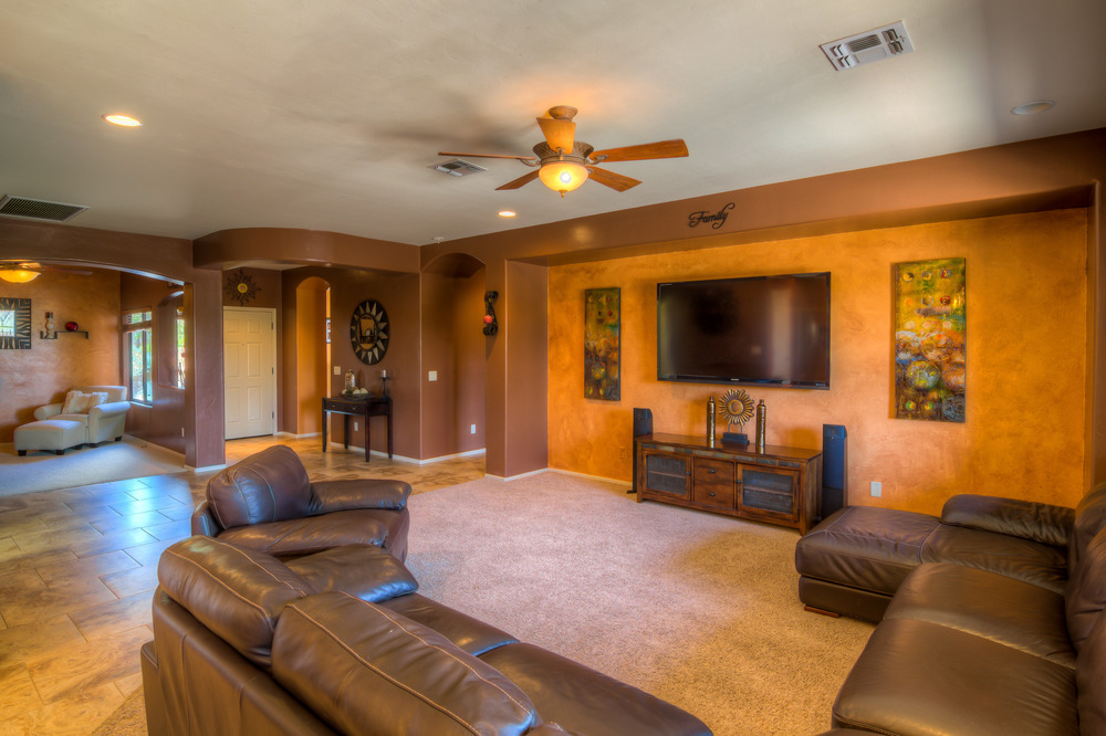 10 Family Room Photo b.jpg