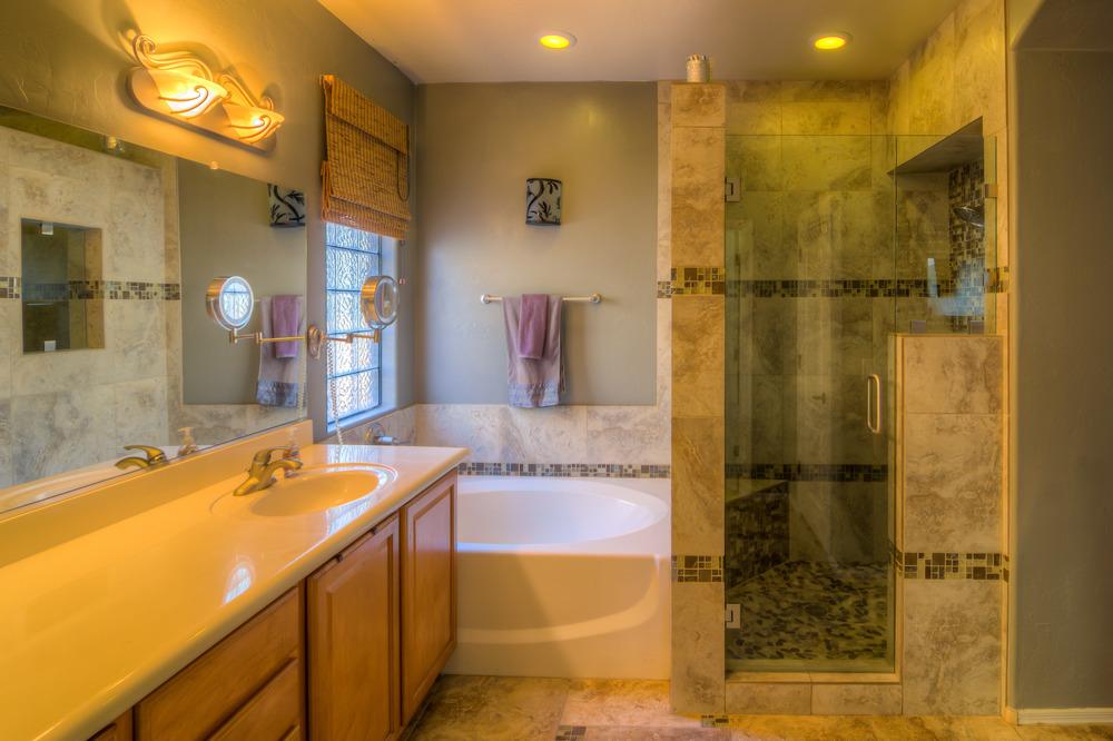 22 Master Bath Photo a.jpg