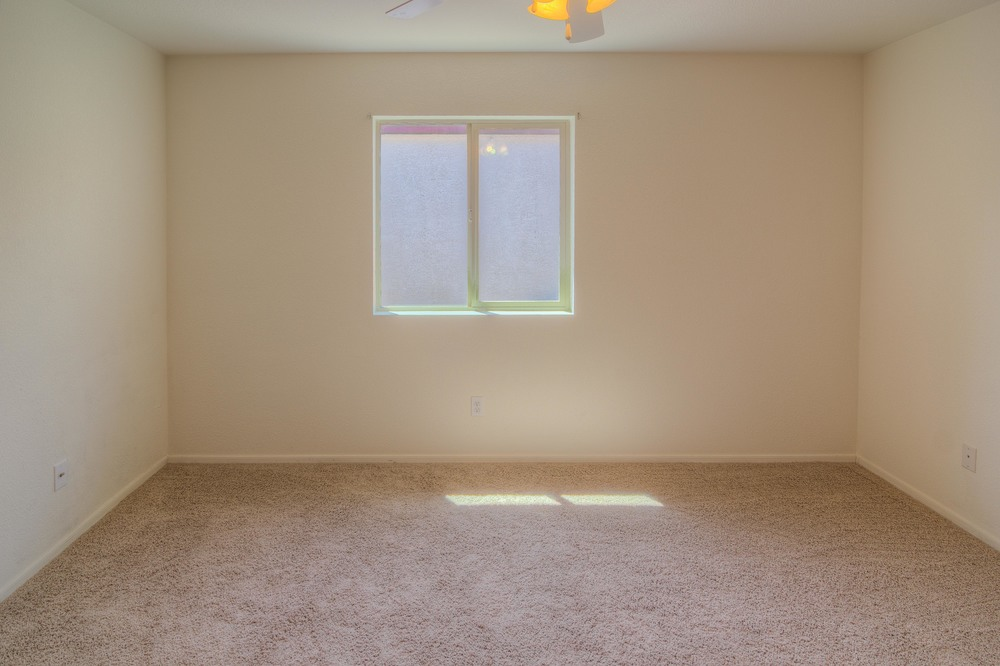 30 Bedroom 1b.jpg