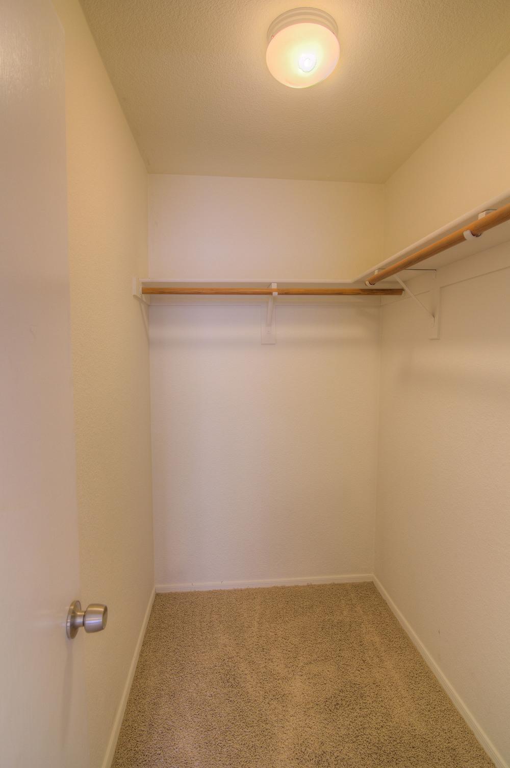32 Bedroom 1d.jpg