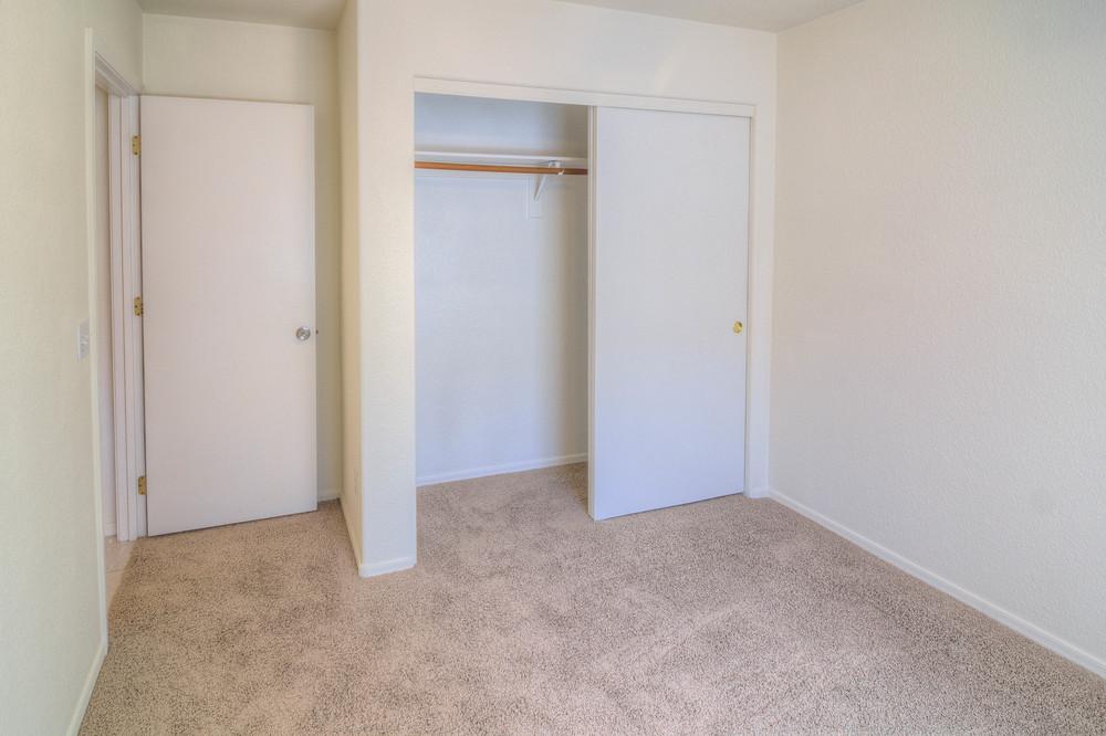 36 Bedroom 2b.jpg