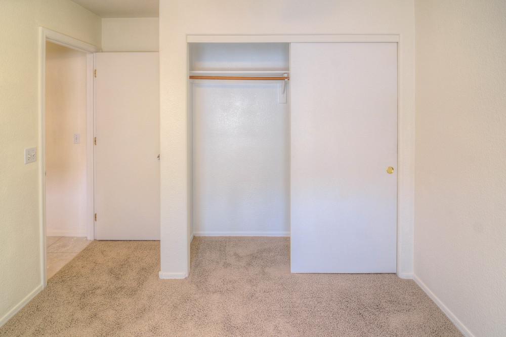 37 Bedroom 2c.jpg