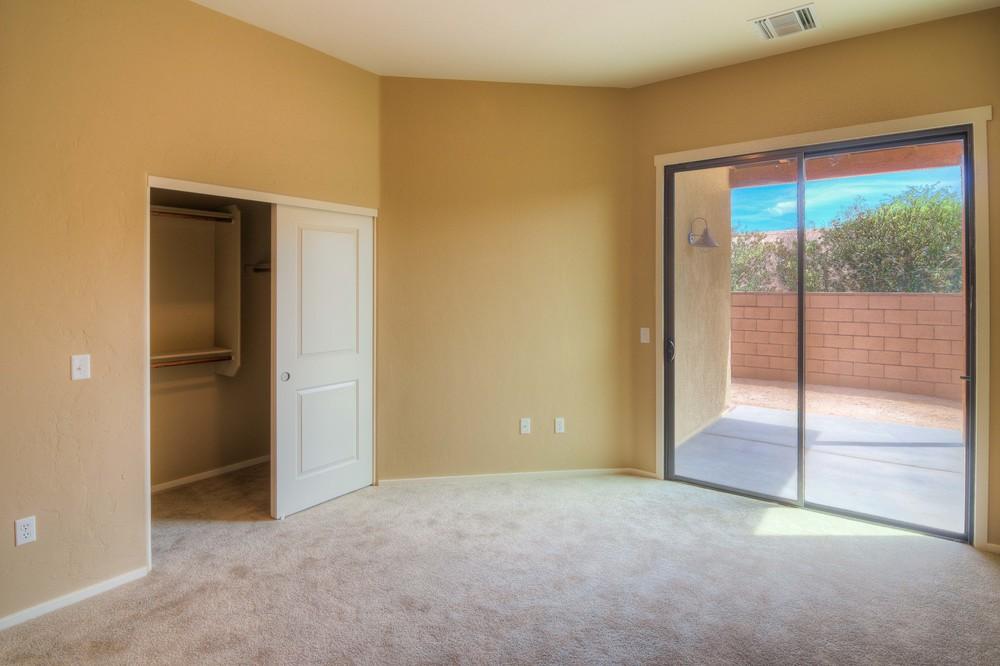 20 Master Bedroom b.jpg