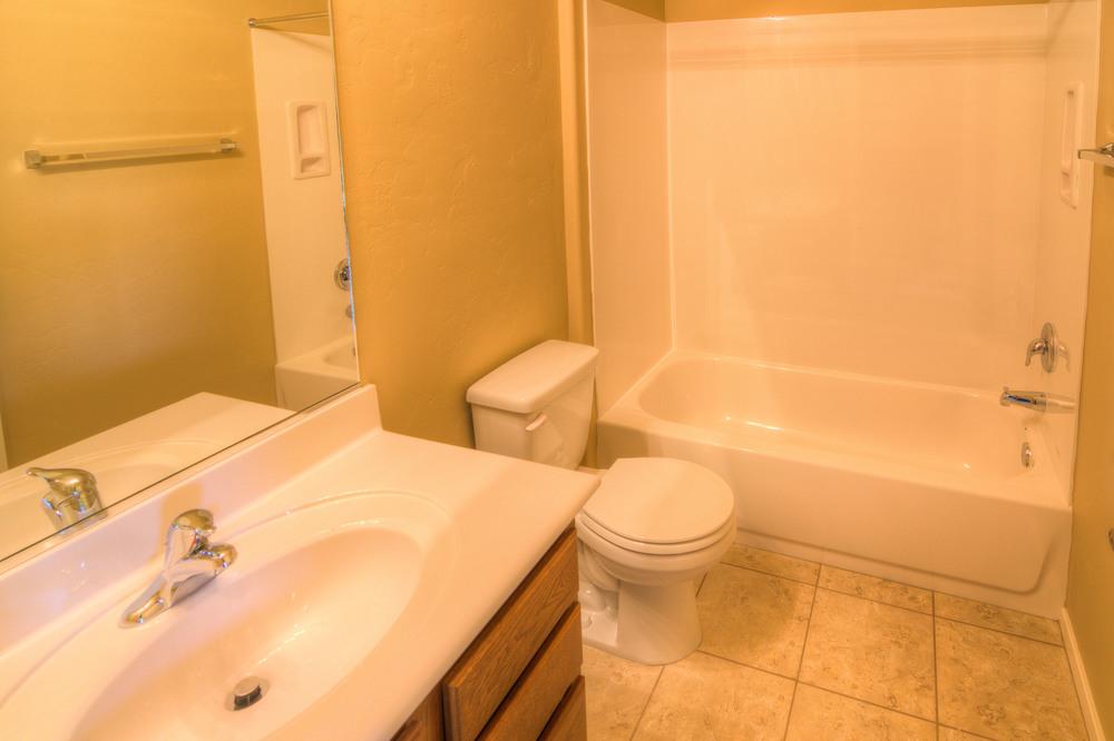 27 Bathroom a.jpg