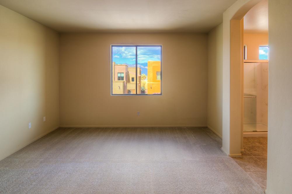 33 Master Bedroom a.jpg