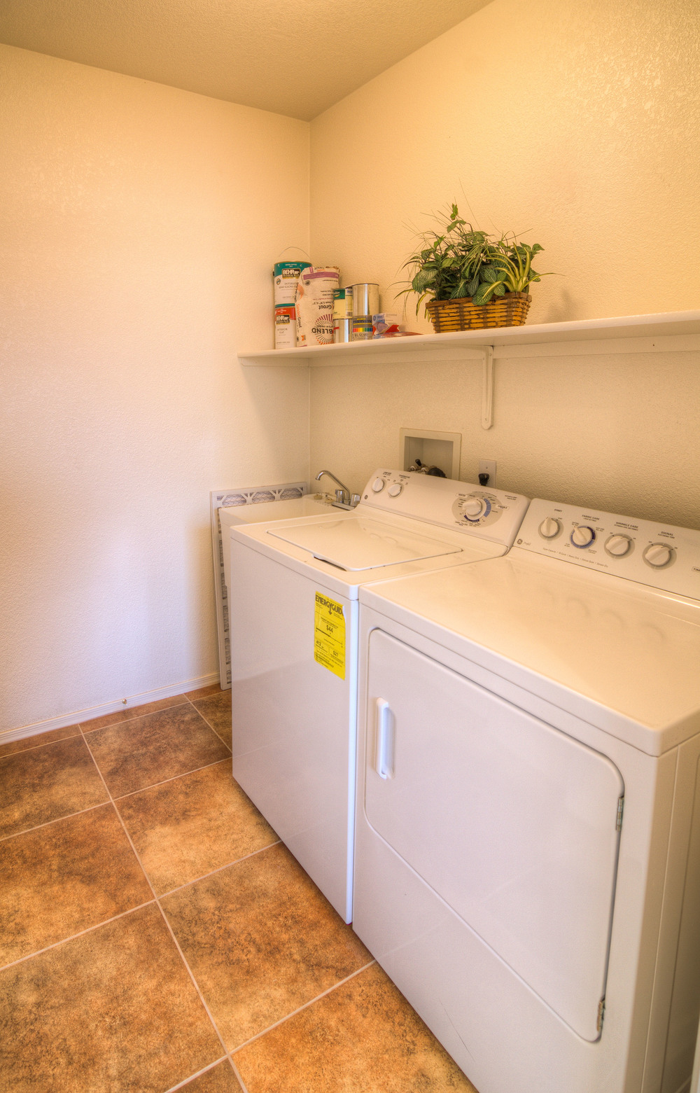 21 Laundry Room.jpg