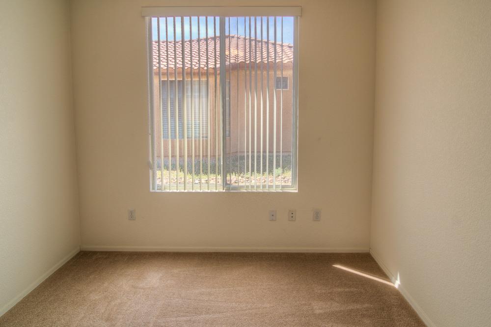 32 Bedroom 1b.jpg