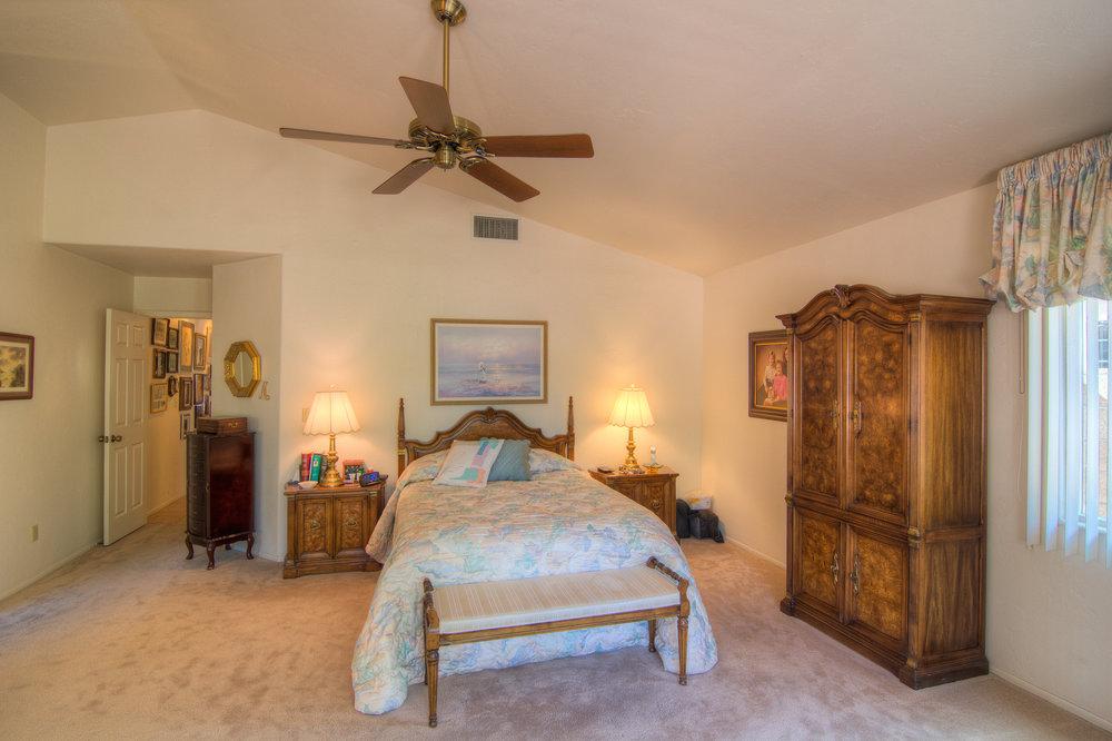 22 Master Bedroom b.jpg